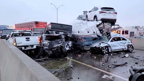 Massive vehicle crash reported on Texas interstate due to ice conditionsTravel And Tour World