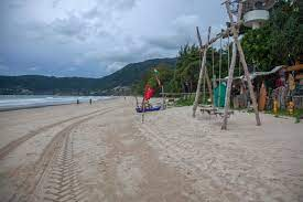 Despite rising Covid cases in Thailand, Phuket continues to draw tourists