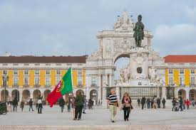 Portugal to allow American tourists to enter despite EU reservations
